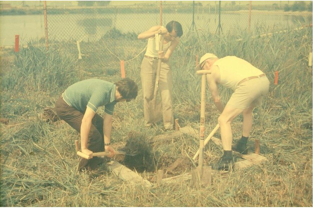 Gerhard Malzacher, Wolfgang Benesch und Karl-Heinz Puder beim Spatenstich der Halle